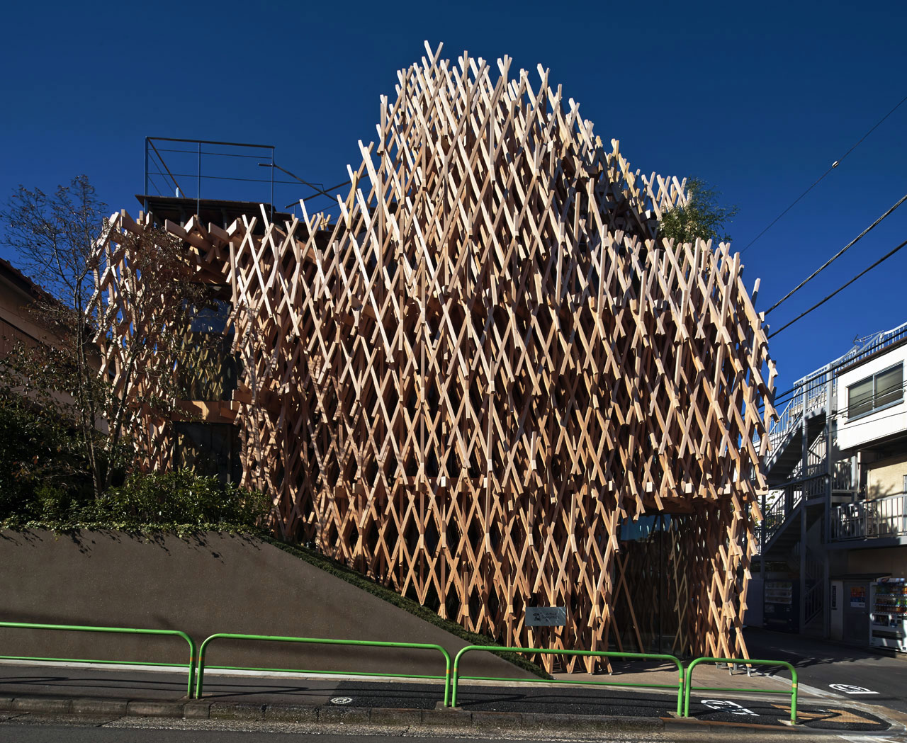Kengo kuma architecture guide tokyo 2016 archeyes for Architecture tokyo