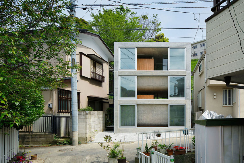 House in Byoubugaura / Takeshi Hosaka Architects