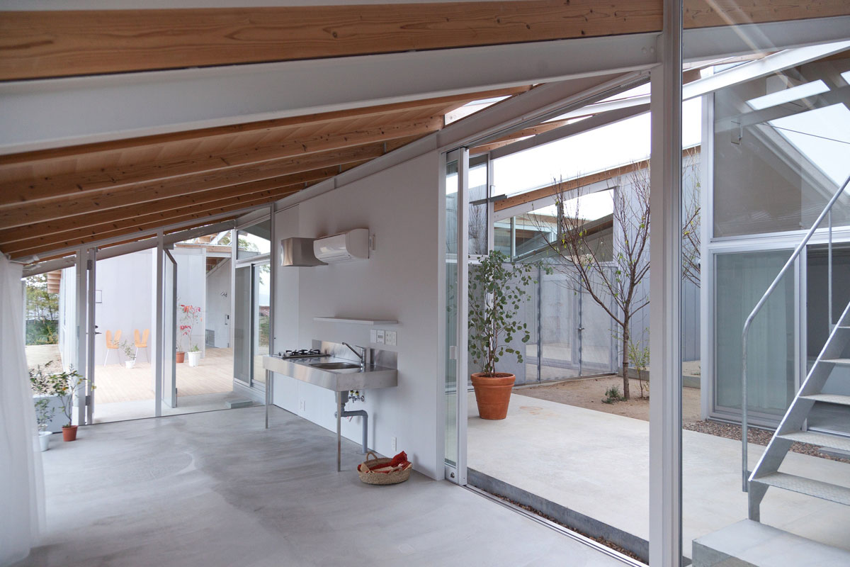 Nishinoyama house in kyoto kazuyo sejima archeyes - Housing interiors ...