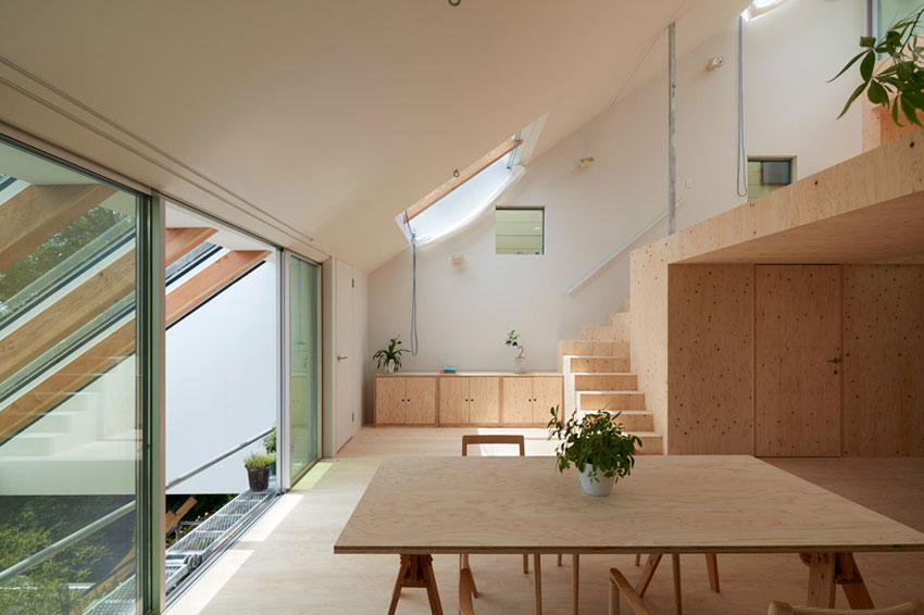 Reslope House in Kobe / Tomohiro Hata