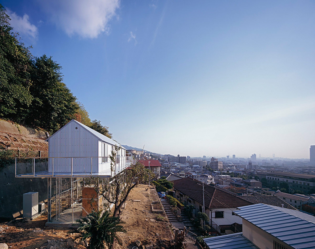 House in Rokko / Tato Architects