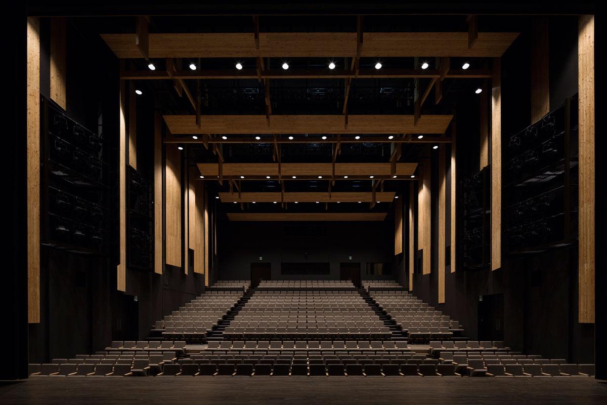 Cultural Hall Natyura in Iiyama / Kengo Kuma