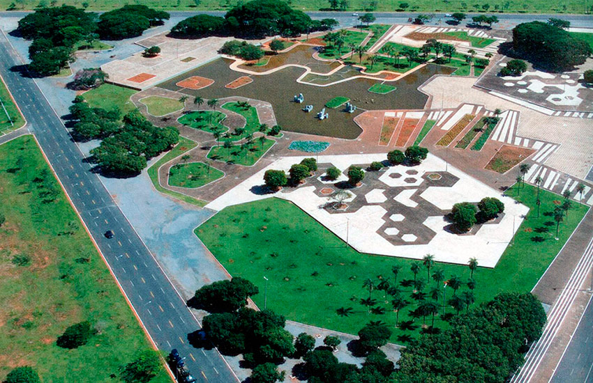 Gardens Of The Ministry Army In Brasília Roberto Burle Max Archeyes