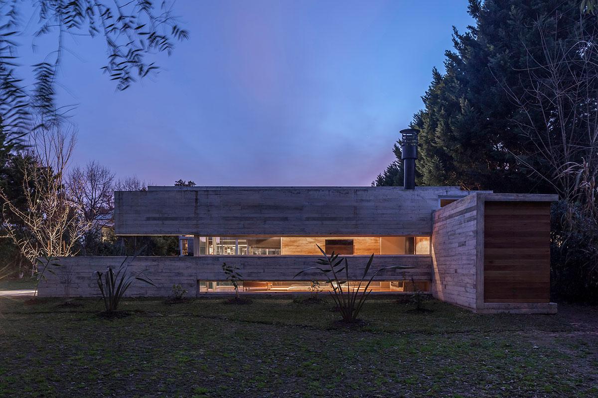 Torcuato House Pavilion / BESONIAS ALMEIDA Arquitectos