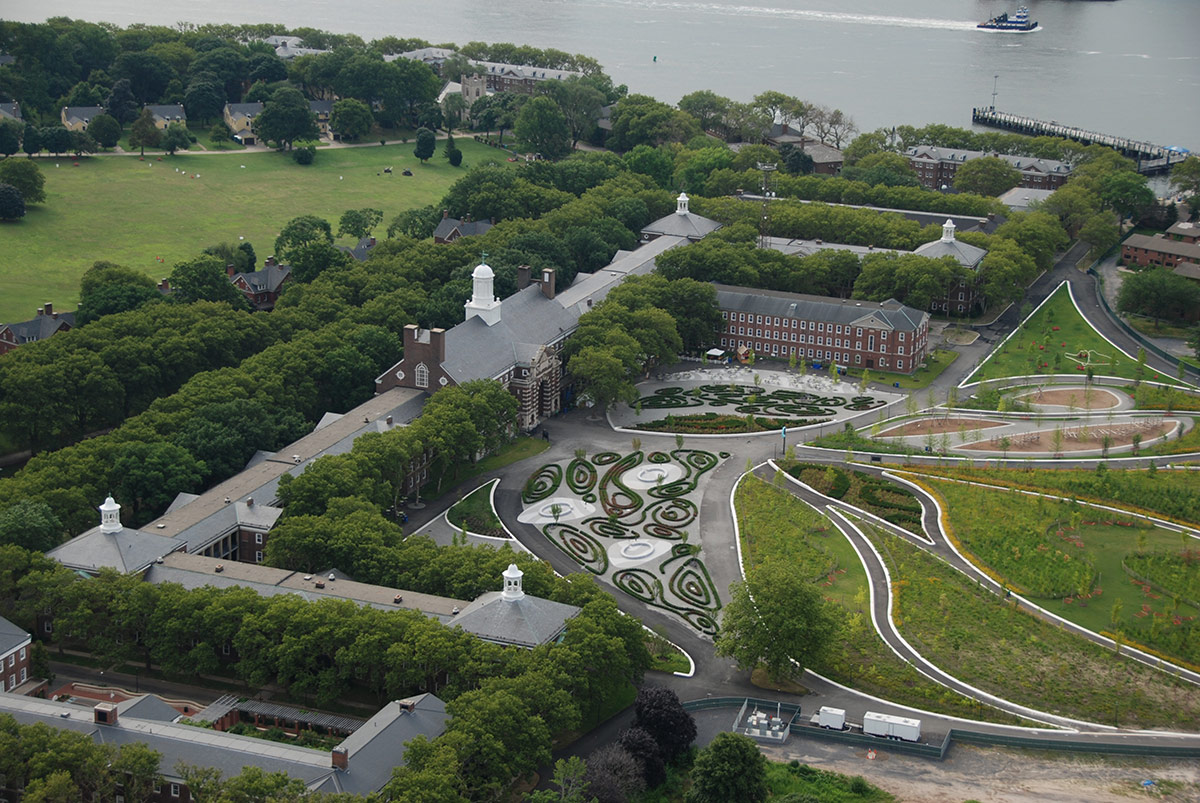 The Hills of Governors Island / West 8