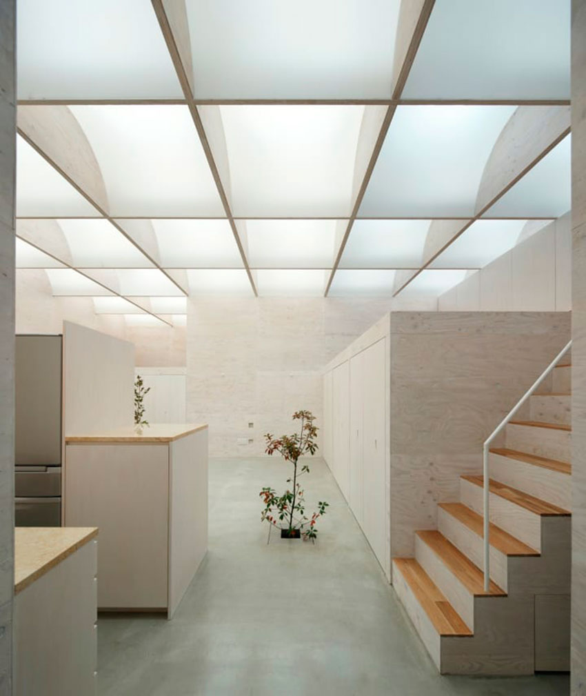 Daylight house takeshi hosaka architects archeyes - Skylight house plans natural light ...