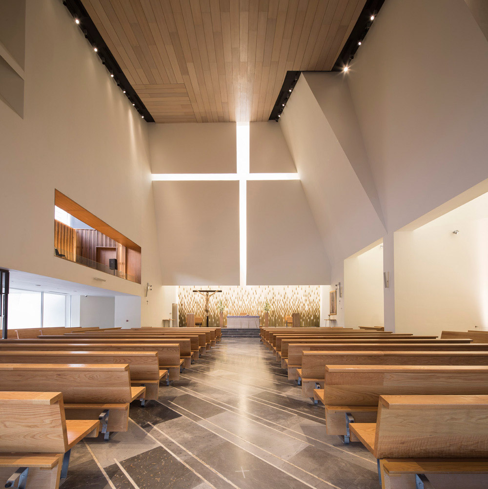 Parish church in pueblo serena moneo brock archeyes for De square design and interiors