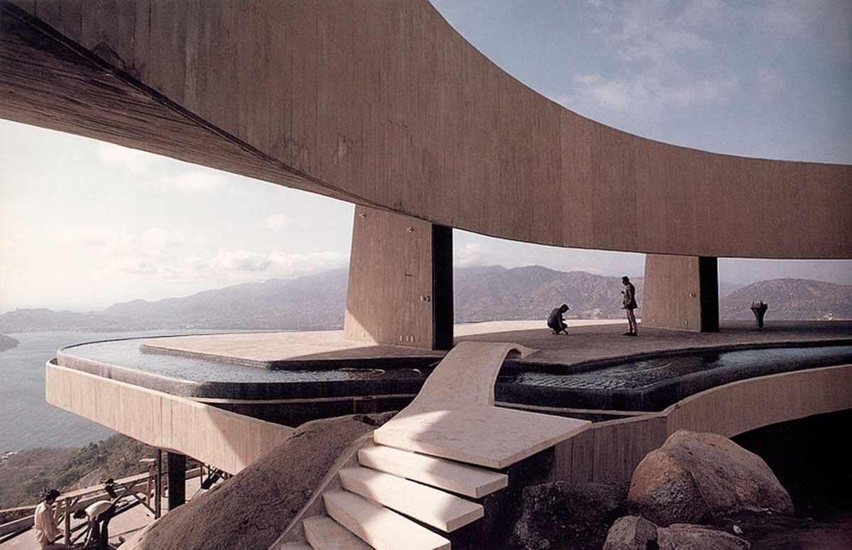Arango Marbrisa House by John Lautner Pool