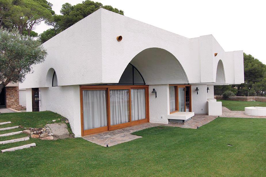 Vaults at Raventos Villa in Calella by Antonio Bonet Castellana