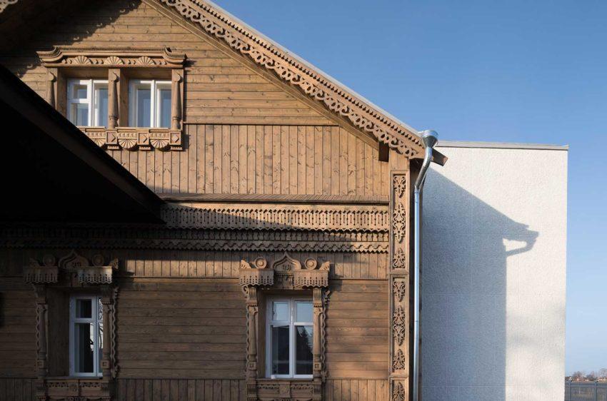 Wood details facade